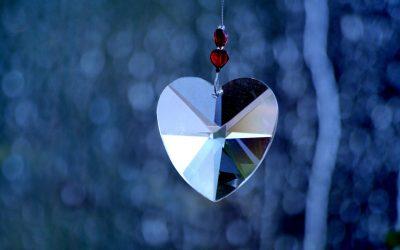 """Buchrezension """"Heilen mit Herzenergie"""" von Richard Gordon"""