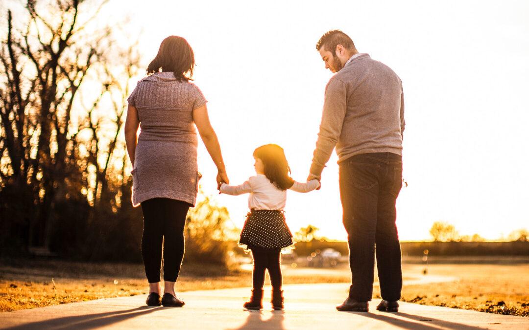 Wie die Beziehung zu deinen Eltern dir dein Lebensthema zeigt